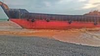 Filipinler'de kargo gemisi karaya oturdu: 4 ölü, 9 kayıp