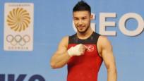 Mili sporcu Daniyar İsmayilov'dan iki altın madalya