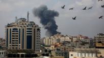 İsrail savaş uçakları Gazze'de bir sünger fabrikasını vurdu