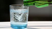 Diyetisyenlerden bayramda maden suyu tüketimi önerisi