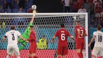 A Milliler İtalya'ya 3-0 mağlup oldu