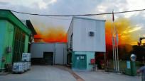 Fabrikanın asit tankı patladı, gökyüzünü asit bulutu kapladı