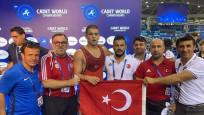 Güreşçi Rıfat Eren Gıdak, yıldızlarda dünya şampiyonu oldu