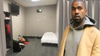 Kanye West kendini odaya kapattı! Sosyal medyada alay konusu oldu