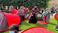 400 evsiz Paris'te 'onurlu barınma' için çadır kurdu