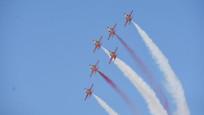 Akrobasi pilotlarından nefes kesen gösteri