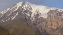 'Türkiye'nin çatısı' Ağrı Dağı eriyor