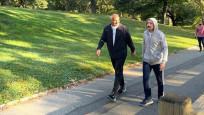 Bakan Ersoy ve Bakan Muş'tan Central Park yürüyüşü