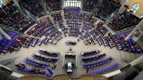 Almanya'da 18 Türk kökenli aday  Federal Meclis'e girdi