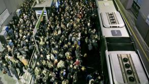 Metrobüs hattı alarm veriyor!