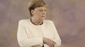 Merkel'in okuduğu son kitap endişeleri artırdı