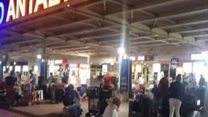 Turizm devi batıyor, turistler mahsur kaldı