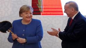 Erdoğan'dan Merkel'e sırçalı saray aynası