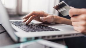 İşe yerleştirdiği şahsın banka kartına el koydu iddiası