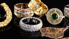 Milyon dolarlık mücevheri gömerek 'define avı' başlattı