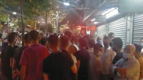 Manisa'da dolandırıldıkları iddiasıyla kuyumcuyu bastılar
