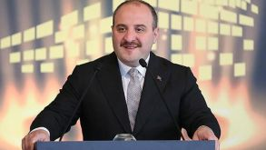 Sanayi ve Teknoloji Bakanı Mustafa Varank, yerli Kovid-19 aşısı için gönüllü oluyor