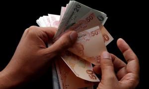 Hazine 4,8 milyar lira borçlandı