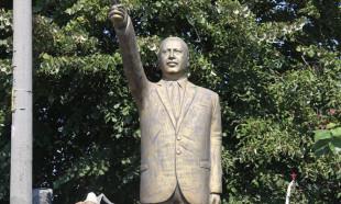 Cumhurbaşkanı Erdoğan'ın heykeli dikildi