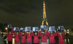 Gazeteci cinayetlerine dikkat çekmek için Eyfel Kulesi'nin ışıkları söndürüldü