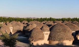 İran'da hurma yapraklarından inşa edilen otel turistlerin ilgi odağı