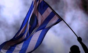 Diktikleri Yunanistan bayrağı kaldırıldı