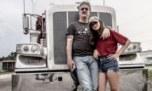 Baba kız TIR'la Amerika'yı turluyor