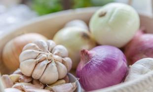 Çiğ soğan ve sarımsağın faydası!