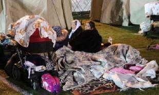 Türk Kızılay ekibi afet bölgesinde... Geceyi böyle geçirdiler