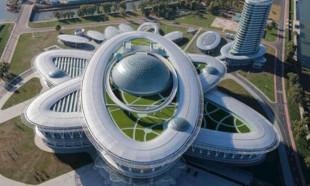 Kuzey Kore'nin takıntısını gösteren garip binaları
