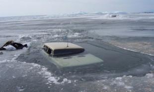 Dünyanın en derin gölü araçları böyle yuttu