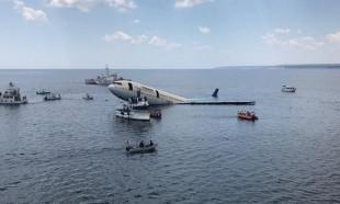 Turizme katkı için dev uçak batırıldı