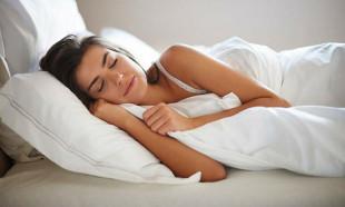 Sıcak havalarda rahat uyumanın 10 tekniği