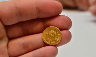 Çanakkale'de Bin 700 yıllık Bizans altınları bulundu