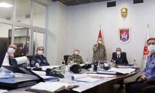 Bakan Akar ve komutanlar operasyonu KK karargahından sevk ediyor