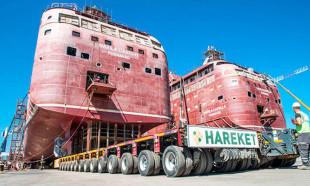 Yalova'da inşa edilen iki dev gemi 1600 lastik üzerinde denize taşındı
