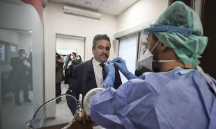 İbn-i Sina Hastanesinde 'Akıllı Kovid-19 Örnek Alma Ünitesi' açıldı