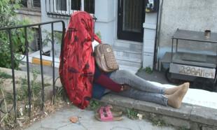 Beyoğlu'nda gizemli Afrikalı kadın