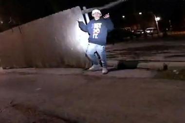 ABD'de polisin 13 yaşındaki bir çocuğu vurduğu görüntüler yayınlandı
