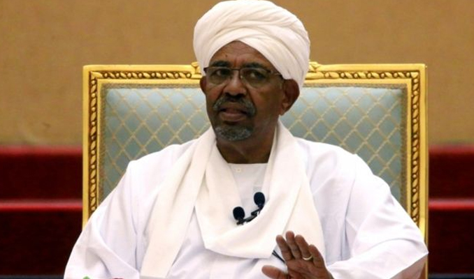 Devrik Sudan lideri El Beşir'in evinde 130 milyon dolardan fazla nakit bulundu