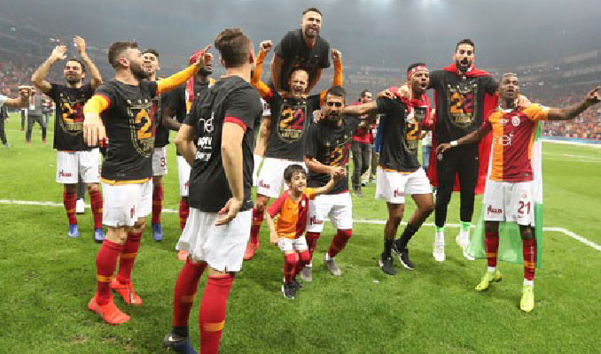 Şampiyon Galatasaray'a tebrik yağmuru