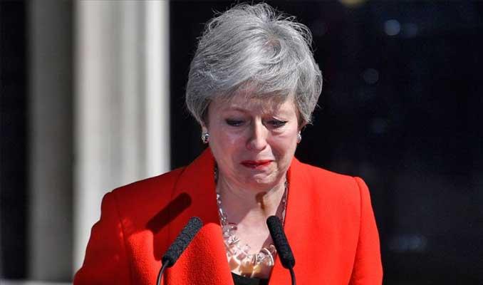 Theresa May 7 Haziran'da istifa edecek