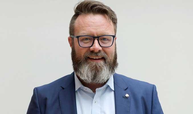 Almanya'da bir ilk: Alman vatandaşı olmayan aday başkan seçildi