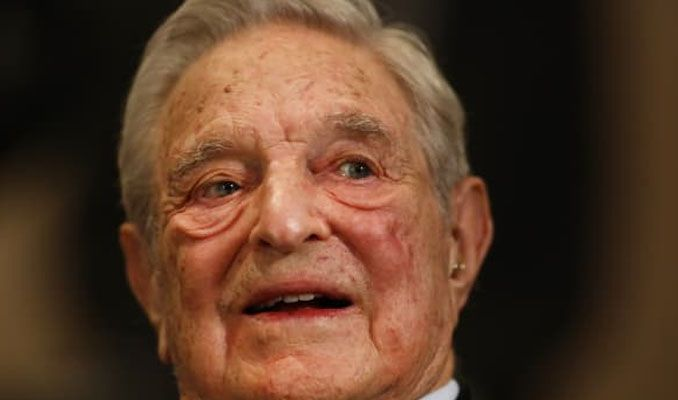 George Soros Davos'da dünya liderlerine yüklendi