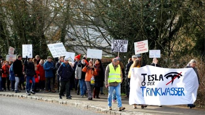Tesla'nın Berlin'deki fabrikasına yargı freni