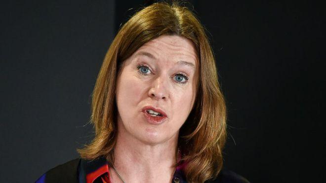 Sokağa çıkma yasağını delen İskoçya Başbakanı'nın danışmanı istifa etti