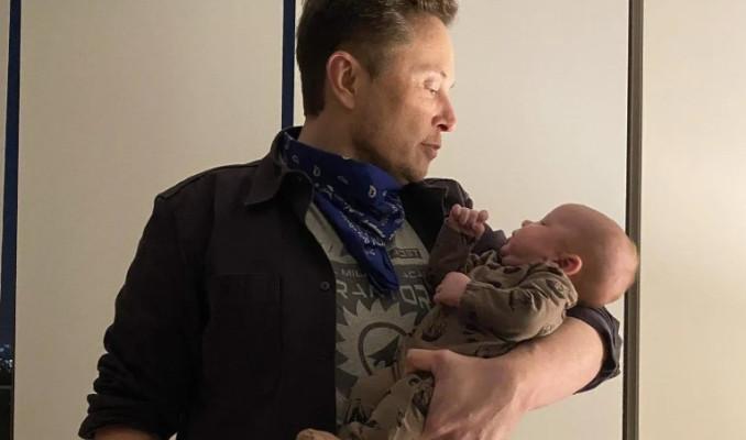 Elon Musk, röportajında çocuğunun adını unuttu