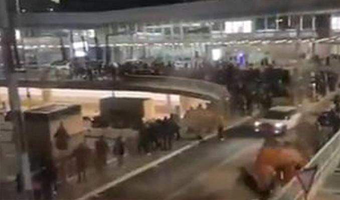 Frankfurt Havalimanı'nda alarm verildi: Terminal boşaltıldı