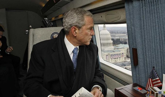 Eski başkan Bush,  Trump'a oy vermedi