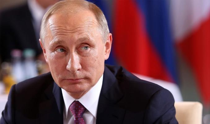 Putin'den gazetecilere: Dudaklarımı okuyun